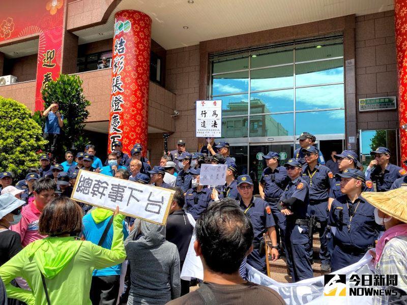 五結農會保險箱失竊理賠談不攏 受害戶集結抗議