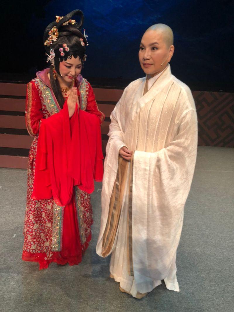 ▲樓心潼(左)、唐美雲開心疫情逐漸趨緩。(圖/民視提供)