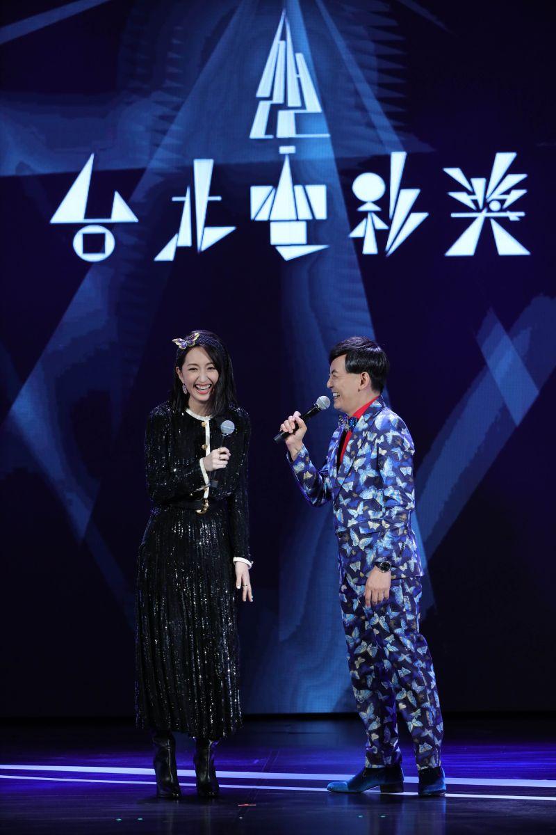 ▲黃子佼(右)和柯佳嬿攜手主持第22屆台北電影獎頒獎典禮。(圖/台北電影獎提供)