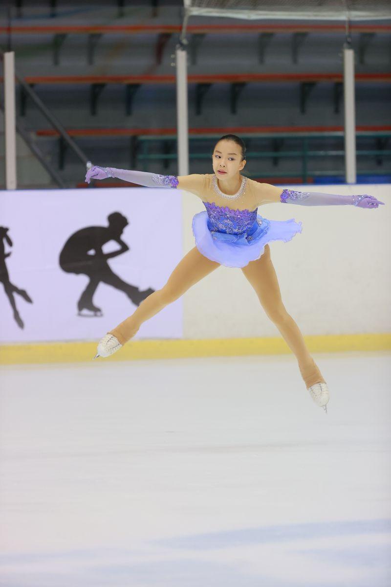 ▲109年台北市青年盃滑冰錦標賽,14歲女將丁子涵。(圖/艾格斯運動攝影公司提供)