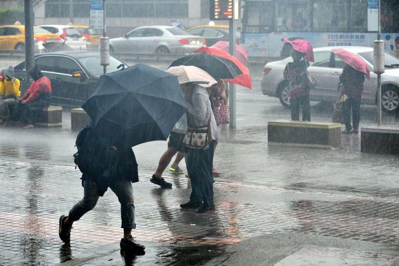 下班時間雨彈來襲!中部五縣市大雨特報