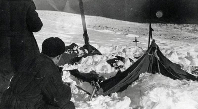 ▲搜救隊發現帳篷遭嚴重毀損。(圖/翻攝dyatlovpass.com)