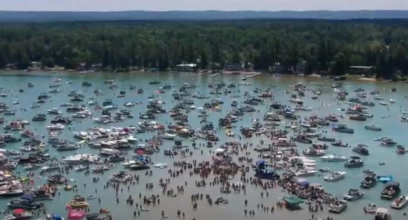 國慶假期奔密西根湖狂歡!陸續傳確診 多人接觸史難追蹤
