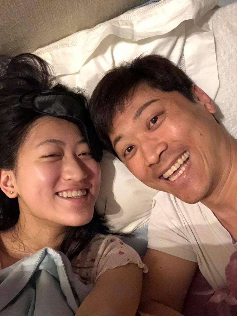 ▲侯賽蕾(左)和侯昌明享受父女時光。(圖/翻攝侯昌明臉書)