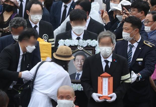 首爾市長朴元淳今出殯 火化後遊行送至老家與父母同葬