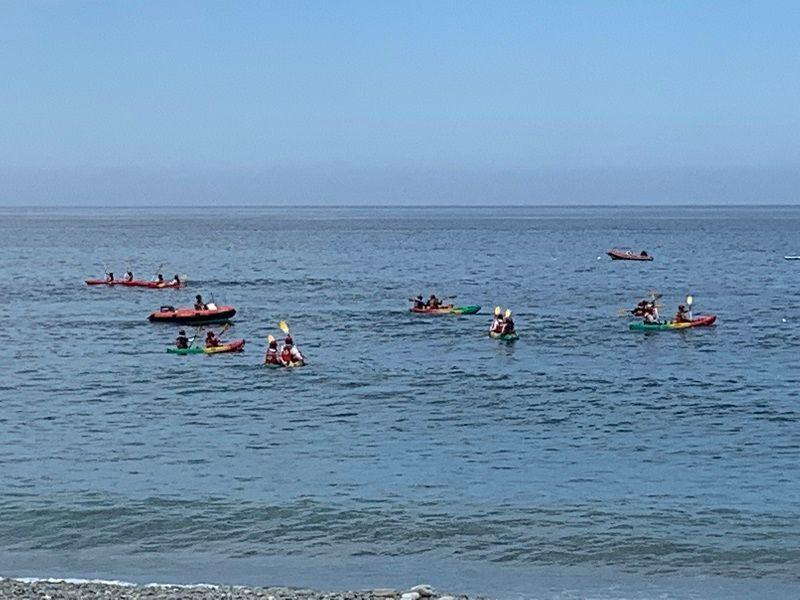 ▲在太平洋划獨木舟、看日出,成了時下年輕人最夯的水上活動。(圖/記者康子仁攝)