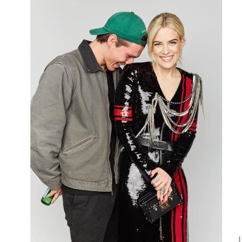 ▲芮莉與丈夫。(圖/Riley