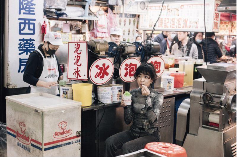 日本攝影師鏡頭下的雨都 穿梭巷弄捕捉基隆日常