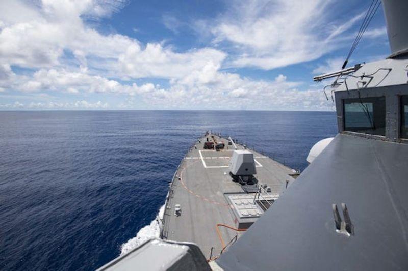 ▲美國海軍公布驅逐艦在南沙群島執行任務的照片。(圖/翻攝自