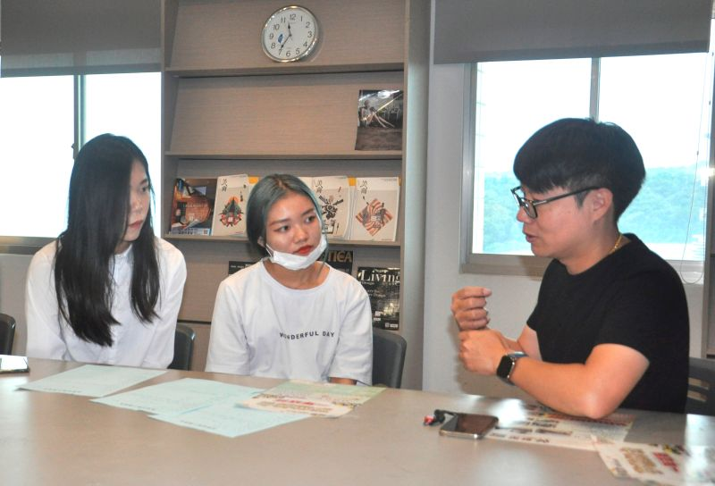 ▲典髮型美髮機構總監黃韋捷親自面試學生,也為企業找儲備幹部。(圖/記者葉靜美攝,2020.07.15)