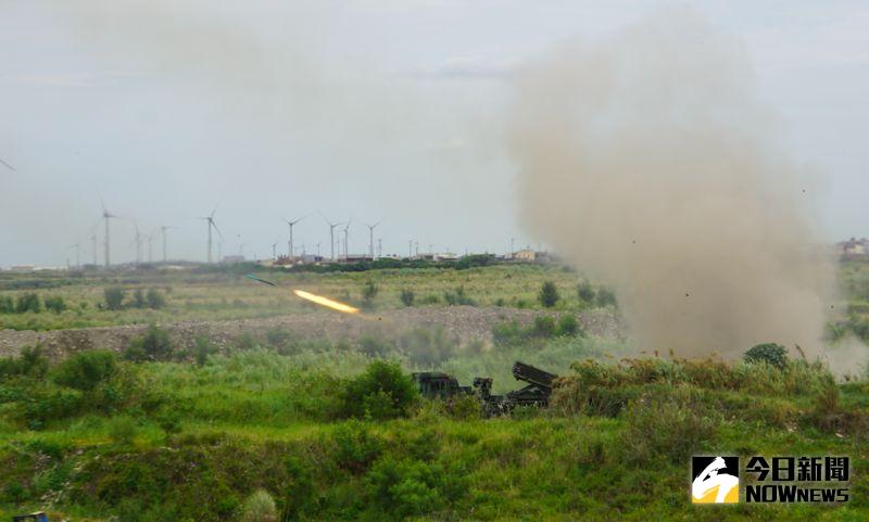 ▲漢光36號演習聯合反登陸作戰,雷霆2000火箭發射殲滅登陸船團。(圖/記者呂炯昌攝,2020.97.16)
