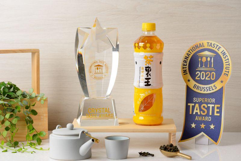▲此外,茶裏王台式綠茶已連續三年榮獲比利時風味絕佳獎三星肯定,今年更晉升為「水晶獎(The