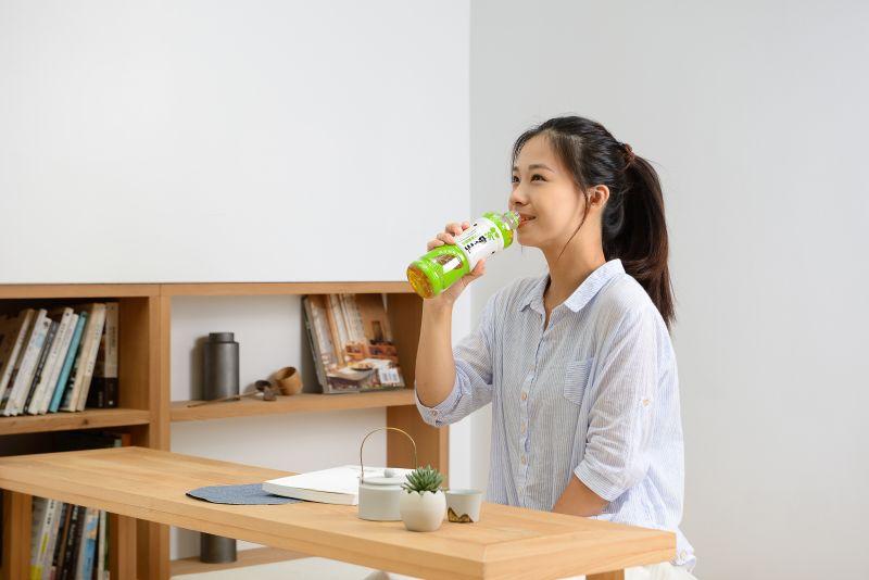 ▲茶裏王全系列摘星產品各大通路買得到;日式無糖綠茶回甘3.0升級版本全新上市,快到超商來一瓶回甘好茶吧!(圖/資料照片)