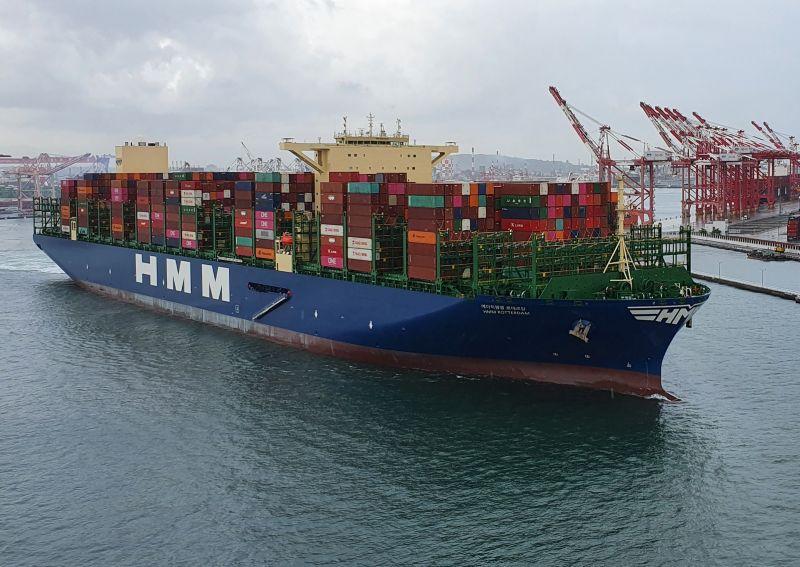 ▲巴拿馬籍韓遠鹿特丹號貨櫃輪首航高雄港。(圖/記者黃守作攝,2020.07.16)