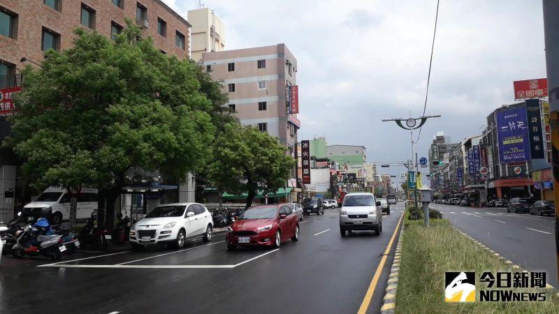 ▲過去台灣的駕照是終生有效,但隨人口老化,長者生理退化成為交通安全的隱憂。交通部推動高齡駕駛換照至今近三年。(圖/記者陳雅芳攝,2020.07.16)