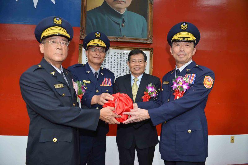 劉柏良上任高市警局長 宣誓不允許特種營業成為治安破口