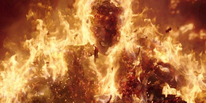 ▲片中反派獲得火焰焚身的超能力,視覺效果相當震撼。(圖/Netflix)