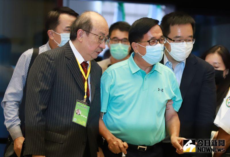 赴民進黨全代會投票 陳水扁未受訪快步進入會場