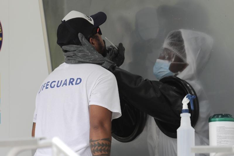 ▲美國的新冠肺炎疫情相當嚴峻,圖為近日佛羅里達州。(圖/美聯社/達志影像)