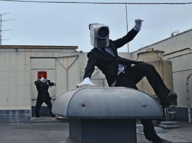 日本「NO MORE電影小偷」(NO MORE 映画泥棒)廣告知名角色「攝影機男」與「巡邏燈男」再次重回江湖
