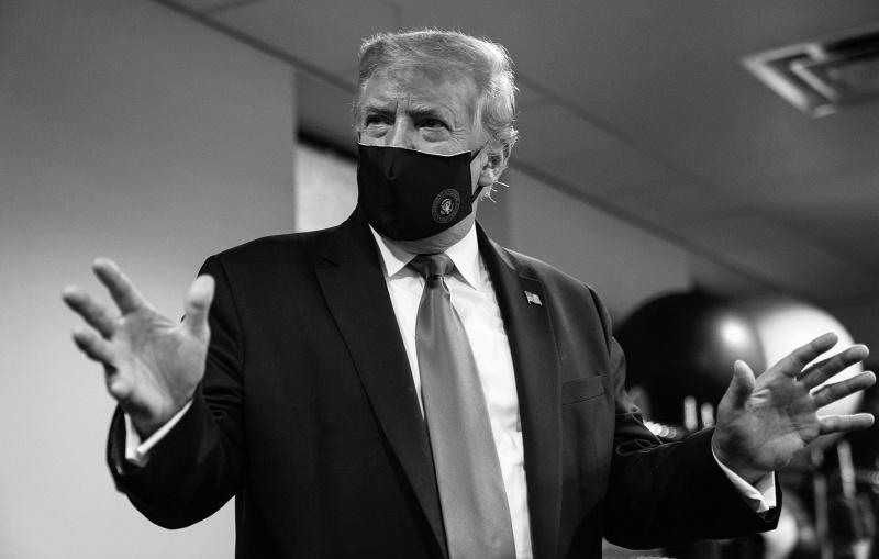 ▲川普在推特上po出自己戴口罩的照片,並稱沒人比自己更愛國。(圖/翻攝自川普推特)