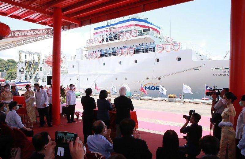 ▲今天噸位最大、續航力最充足的「新海研一號」交船,象徵海研船隻世代交替(圖/基隆市府提供)