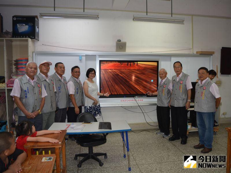 ▲電子白板可提升視覺、聽覺、觸覺多感官教學。(圖/記者郭政隆攝影2020.7.22)