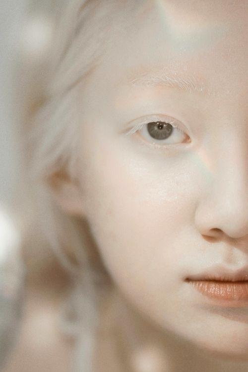 ▲皮膚白皙似雪的越南女孩Thuy