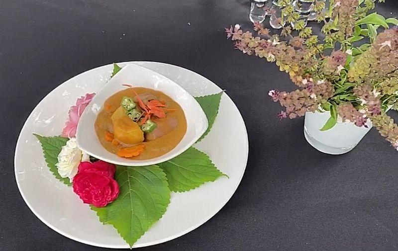 ▲採用「台灣牛、馬鈴薯、胡蘿蔔」作為創作魅力食材。(圖/記者簡勇鵬攝,2020.07.22)