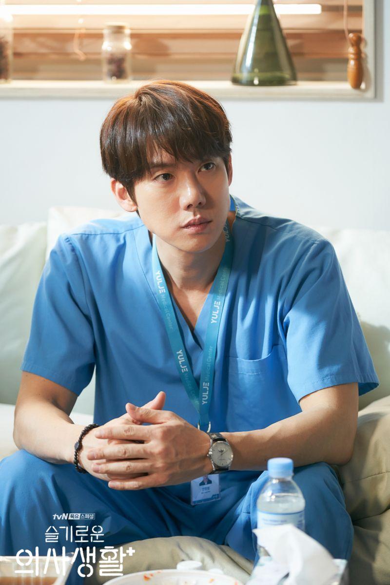 ▲柳演錫在《機智醫生生活》飾演暖男醫生,名氣大漲。(圖/翻攝tvN)