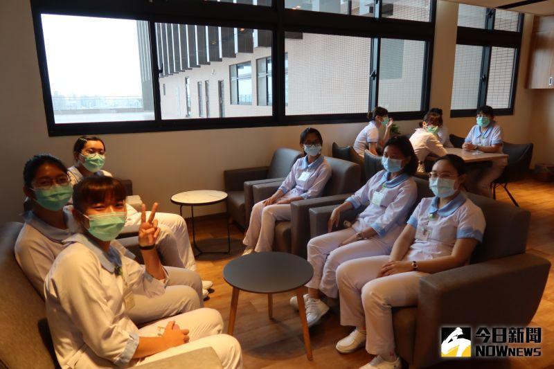 ▲中臺科技大學有20多位學生至彰化秀傳醫院見習。(圖/記者陳雅芳攝,2020.07.23)