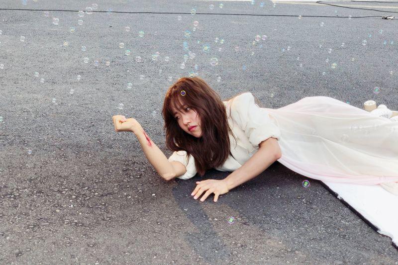 ▲蔡珮軒推出單曲《回不去的海》。(圖/索尼音樂提供)