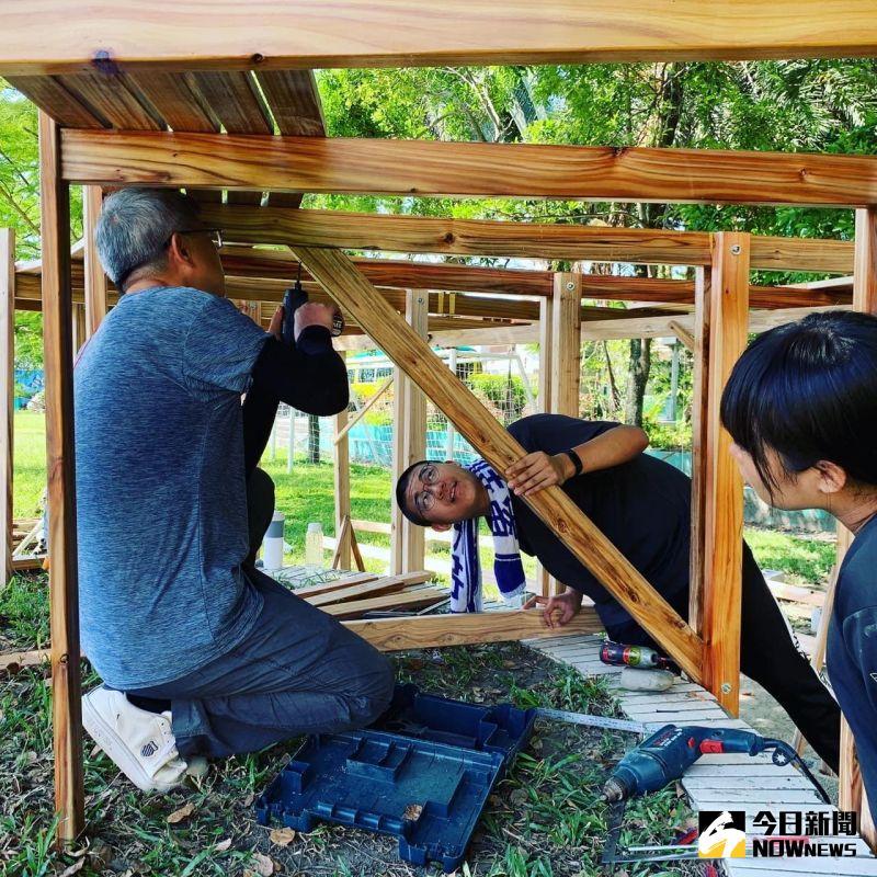 ▲義築團隊所使用的材料都是團隊自籌,對社區再造工程相當盡心。(圖/練習曲提供)