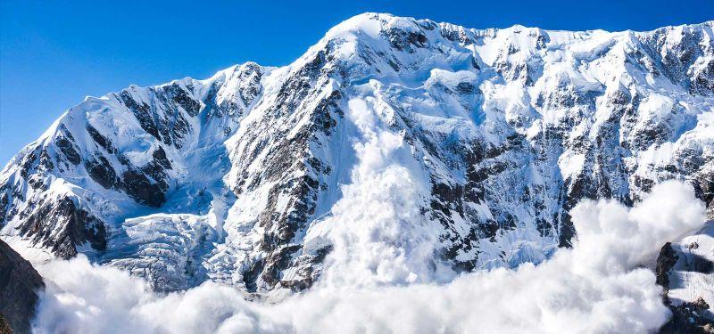 小型飛機墜毀瑞士阿爾卑斯山 4人罹難