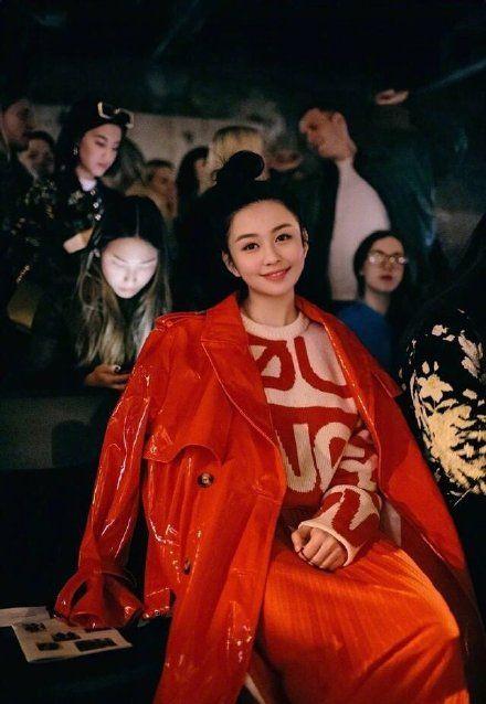 ▲沈月被譽為香港最美星二代。(圖/取自沈月IG)