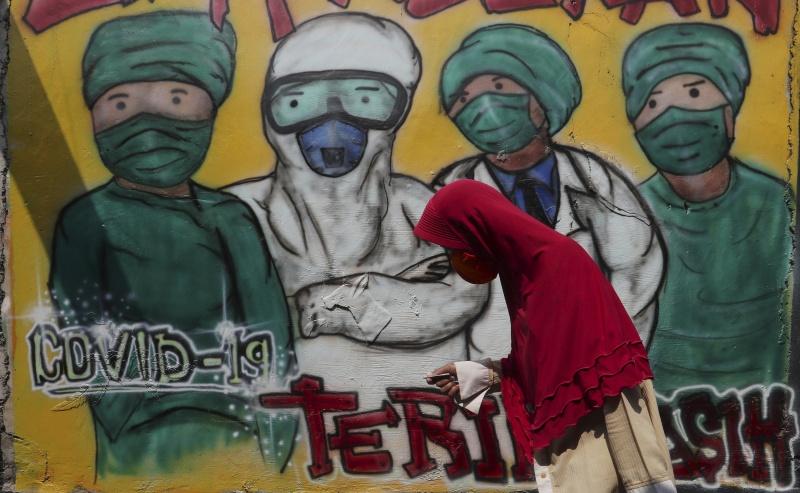 ▲印尼的新冠肺炎確診人數已破 10 萬。圖為近日雅加達。(圖/美聯社/達志影像)