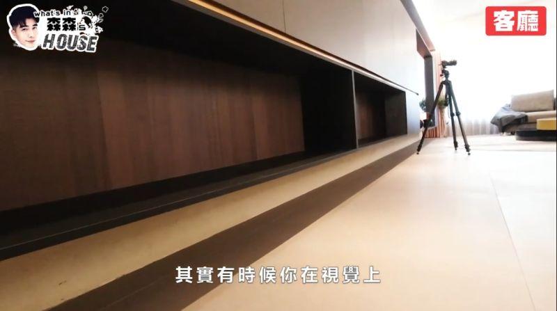 ▲森田重視收納,客廳擁有滿滿的櫃子。(圖/森田Youtube)