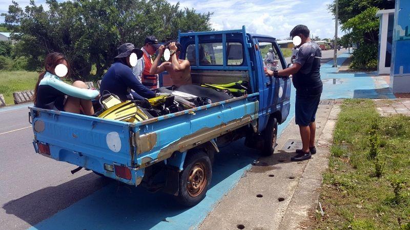 小琉球聯合加強執法 無牌拼裝車違規載客遭取締沒入車輛