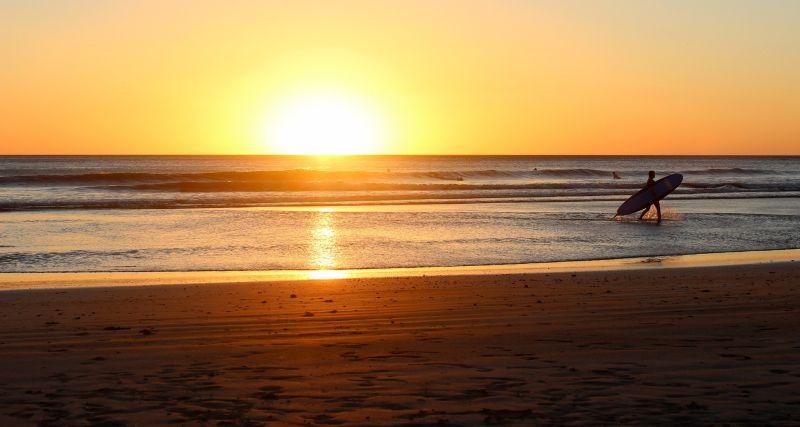 ▲男網友以「海邊下水千萬不要打赤腳」為題,在Dcard上發文表示自己因打赤腳而受傷。(示意圖/取自 pixabay )