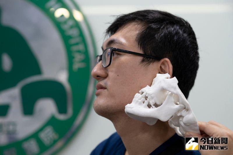 ▲林先生非常滿意手術結果,恢復良好且與術前相比,外觀幾乎沒有差異。(圖/記者陳雅芳攝,2020.07.29)