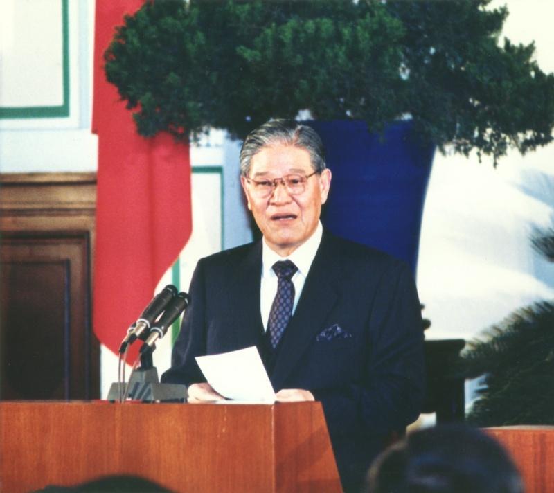 ▲ 1988 年 2 月 22 日,李登輝繼任中華民國第八任總統,舉行第一次總統記者會。(圖/美聯社/達志影像)