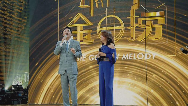▲費玉清(左)和辛曉琪認識多年,2人竟是「送棉被的關係」。(圖/中天提供)