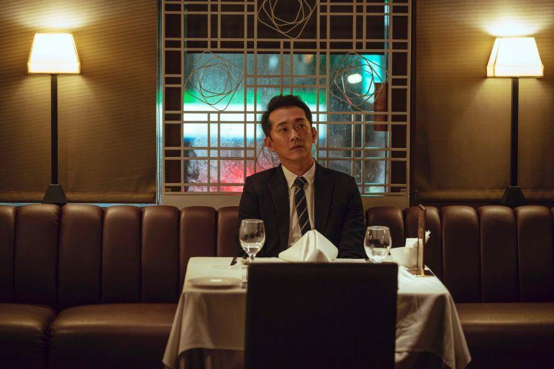 ▲施名帥差點忘了結婚紀念日,被提醒後立刻預約餐廳慶祝。(圖