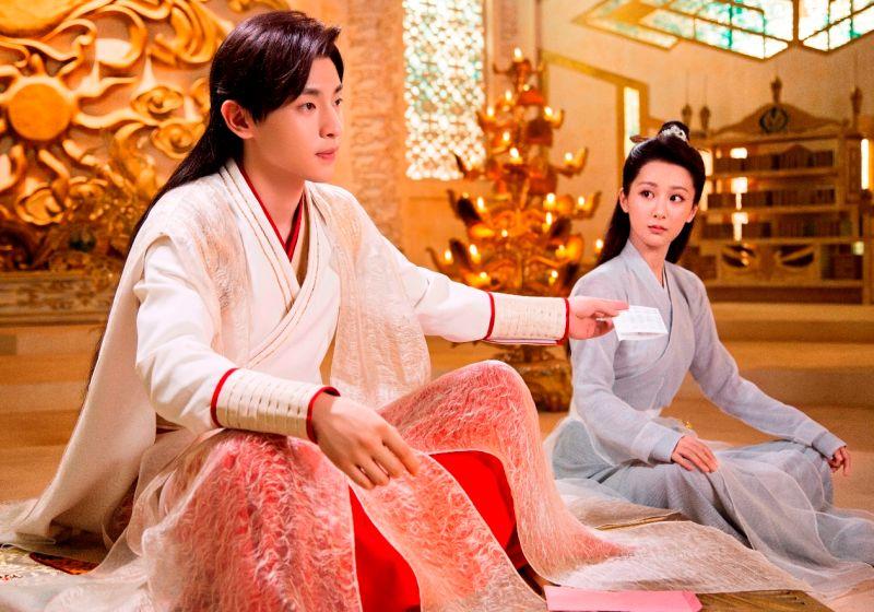 ▲《香蜜沉沉燼如霜》由鄧倫(左)、楊紫主演。(圖