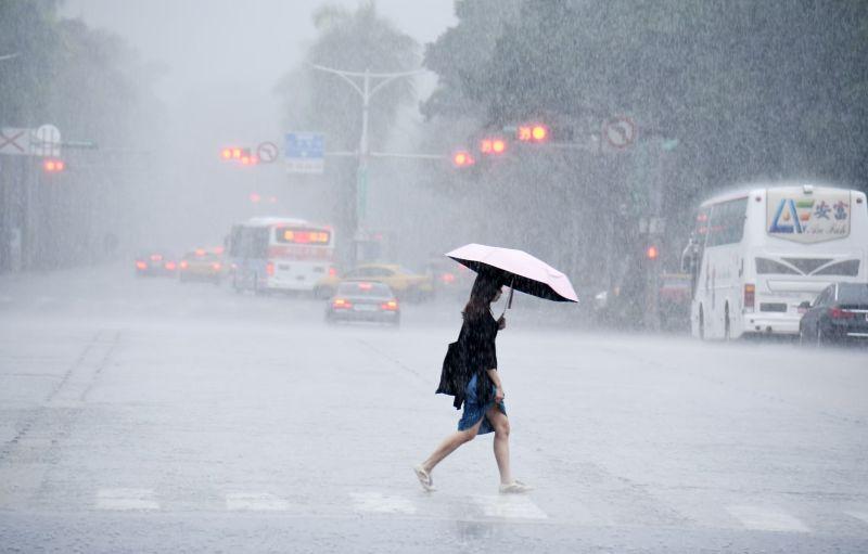 颱風今日最靠台 巴威挾雨彈各地天氣不穩