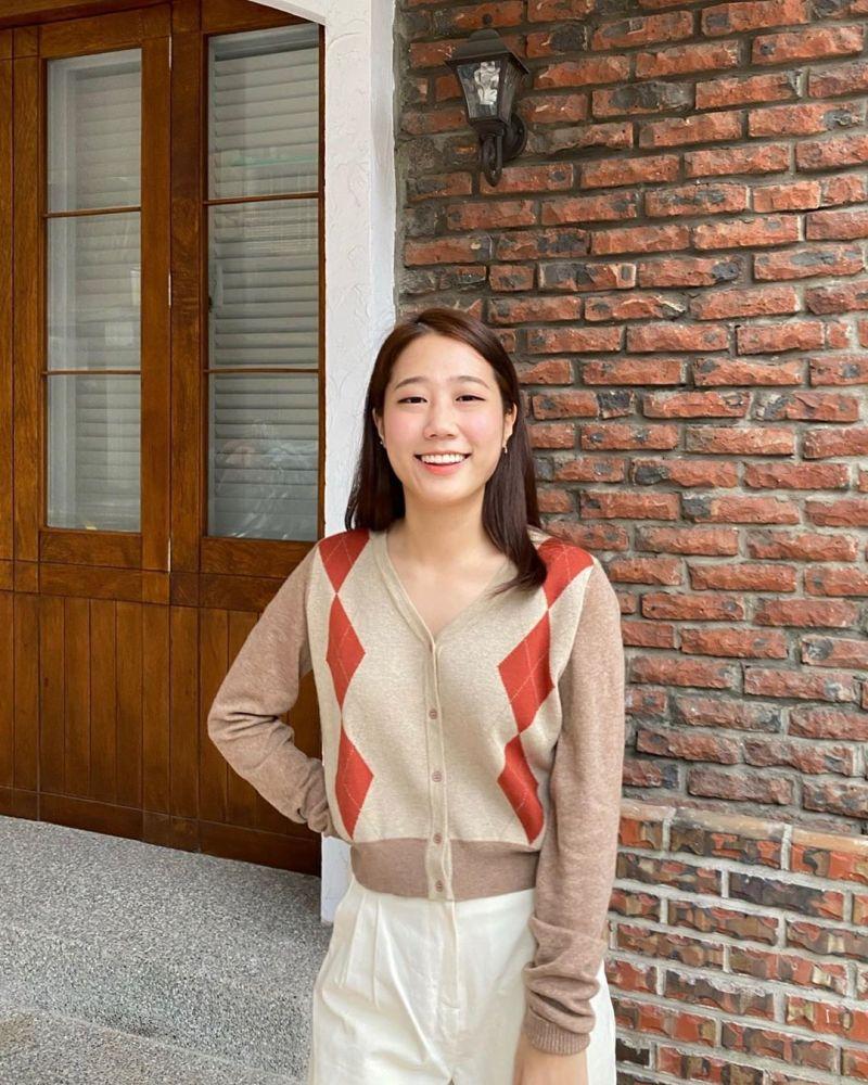 ▲來台的韓國留學生「金針菇」,因清新可愛的個性,以及大方不做作的風格,深受許多人歡迎。(圖/翻攝金針菇)