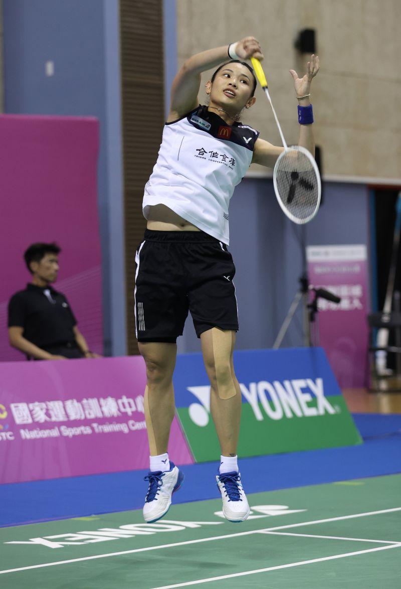 ▲模擬東京奧運對抗賽,我國羽球球后戴資穎今(3)日出戰現任國家隊陪練員蔡傑皓。(圖/國訓中心提供)