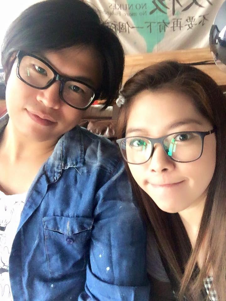 ▲阿弟(左)和老婆Mei結婚13年。(圖/翻攝阿弟臉書)