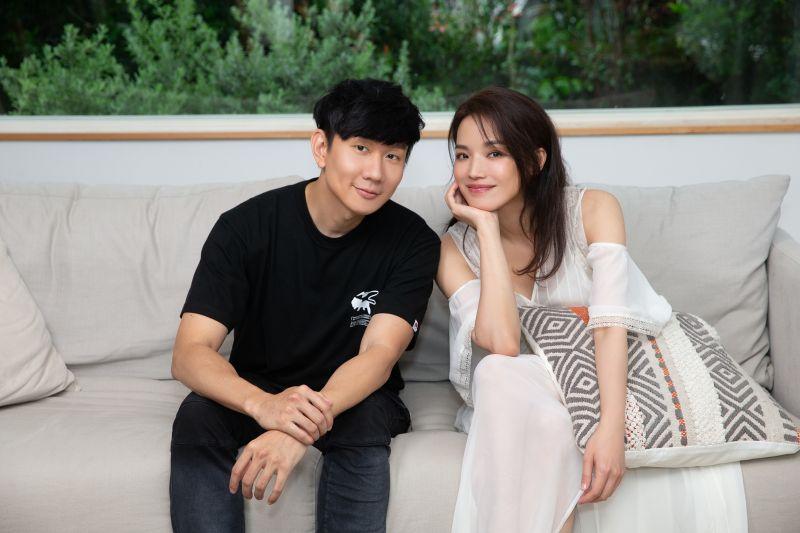 ▲舒淇幫林俊傑拍攝MV。(圖/華納音樂提供)