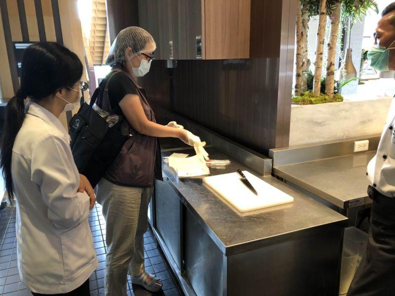 宜蘭縣衛生局前往礁溪老爺酒店供應餐食場所稽查,並令其停止作業、改善缺失靜候調查
